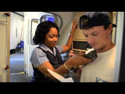 「美國小屁孩插隊被抓包:當眾道歉」- Busted Kid Apologizes To Plane For Cutting In Line
