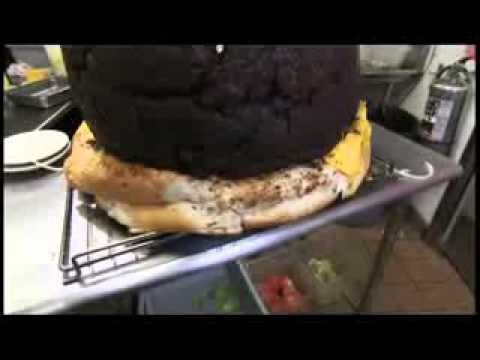 「《Man v. Food: Detroit》巨無霸漢堡」- Mega Burger