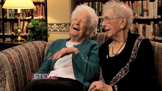 【流行英文】94年的友情!百歲姊妹淘眼中的流行文化
