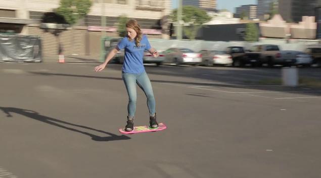 【科技英文】美夢成真?《回到未來》的懸浮滑板真的出現了!