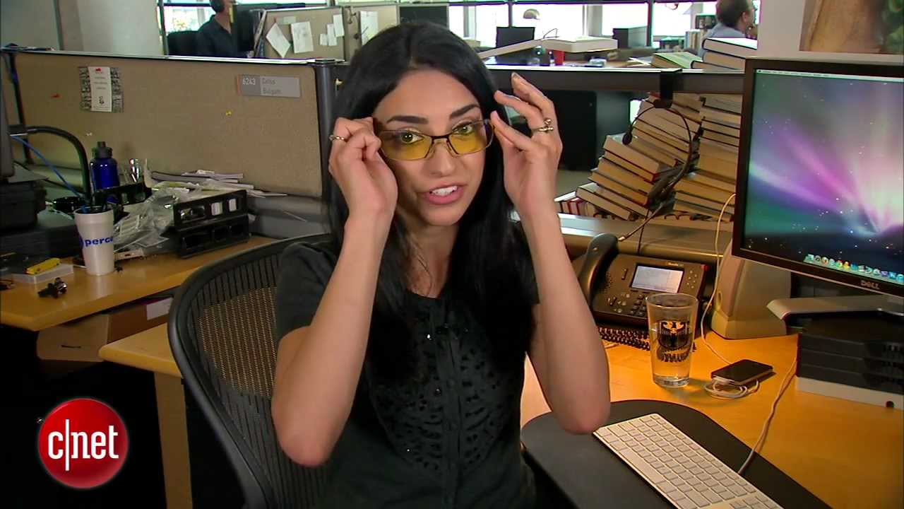 【實用英文】電腦盯整天雙眼乾澀?五個小動作改善眼睛疲勞