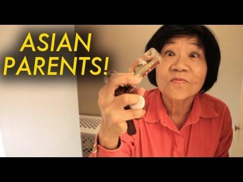 「媽媽一定會做的事!你家老媽也有這些『症頭』嗎?」- Things Asian Parents Do