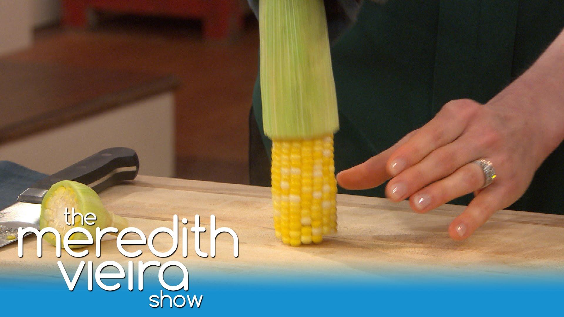 「三秒光溜溜!你一定沒想過玉米可以這樣剝」- The Easiest Way to Shuck Corn!