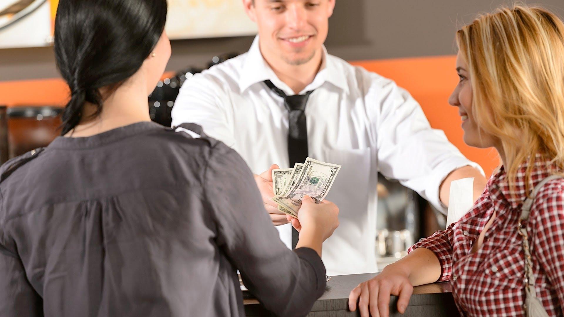 「不知道小費該給多少嗎?一個簡單原則讓你不再霧煞煞」- How to Tip