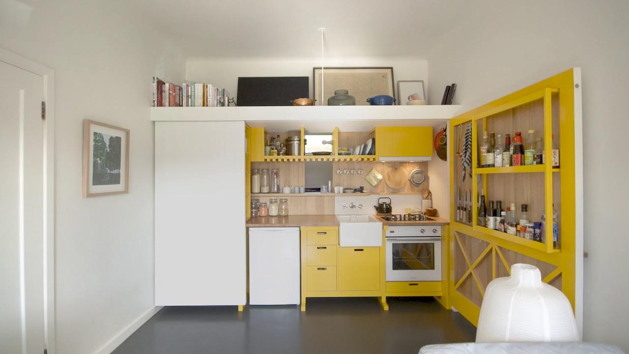 「【小空間設計王】七坪公寓,廚房、客廳、房間一應俱全」- Micro Apartment Design